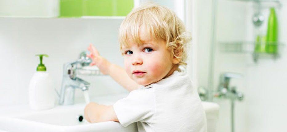 تاثیر و علائم بیماری کرونا ( COVID-19 ) در کودکان